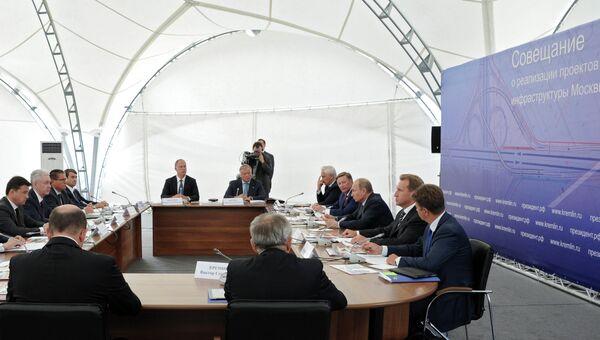 Владимир Путин провел совещание по развитию транспортной инфраструктуры