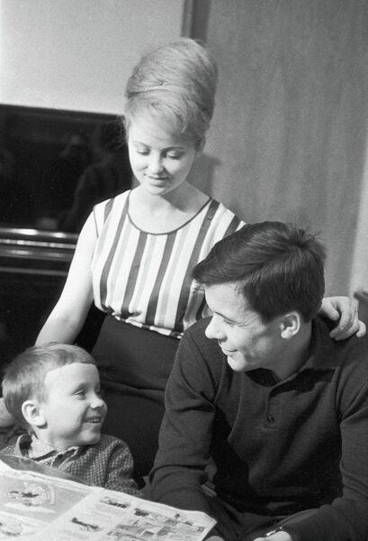 Жены первых советских космонавтов