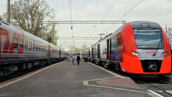 Электропоезд РЖД Рижском вокзале. Архивное фото