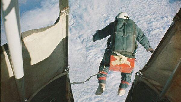 Фолькмар Венцель. Прыжок из корзины аэростата с высоты 3133 метра