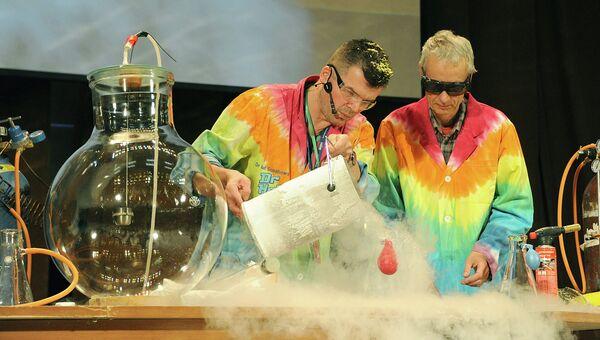 Уникальное научное представление по химии Шоу Доктора Хала