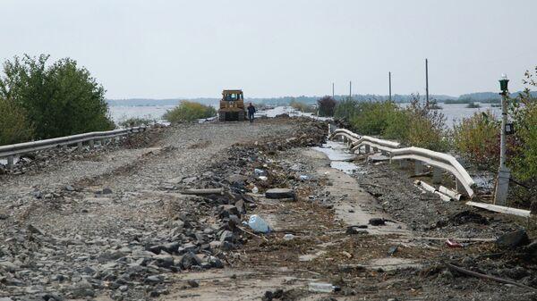 Автодорога Хабаровск-Комсомольск-на-Амуре во время паводка