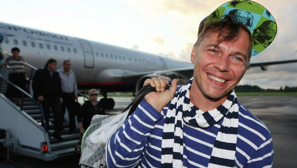 Лидер группы Мумий Тролль Илья Лагутенко в Калининградском аэропорту Храброво