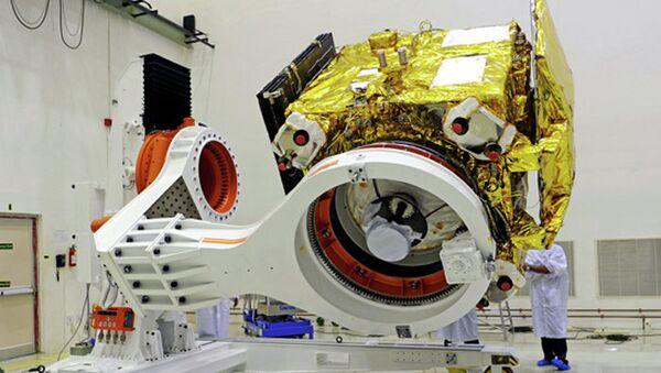 Индийский марсианский аппарат Мангальян во время испытаний, архивное фото
