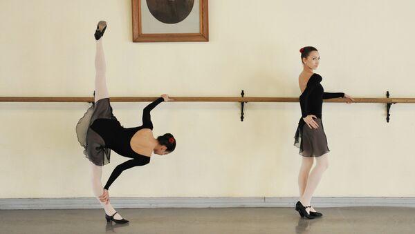На занятиях в Академии русского балета имени А.Я. Вагановой, архивное фото.