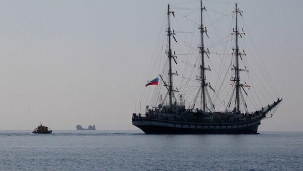 Парусный фрегат Паллада . Архивное фото