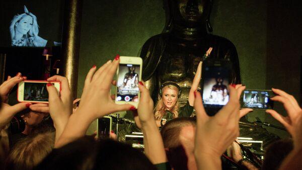 DJ-set Пэрис Хилтон в Buddha Bar Петербурга