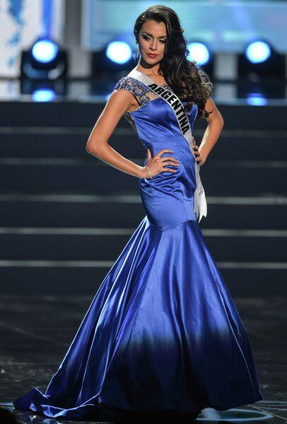Участница конкурса Мисс Вселенная-2013 из Аргентины Брэнда Гонзалес во время полуфинала