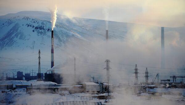 Вид на промышленную зону в Норильске, архивное фото