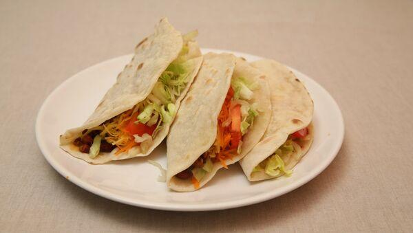 Мексиканские такос с говядиной и фасолью. Пошаговый видеорецепт