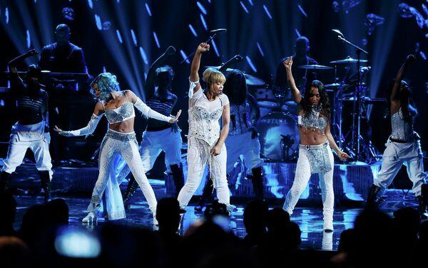 Американская женская хип-хоп группа TLC на 41-й церемонии American Music Awards