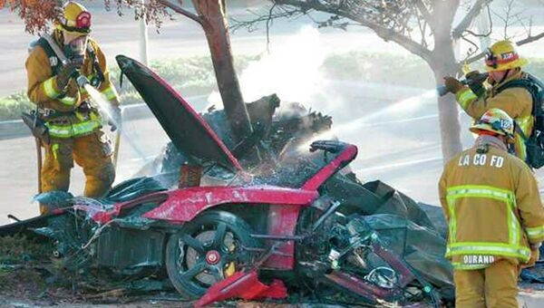 Актер Пол Уокер насмерть разбился в автокатастрофе в Калифорнии
