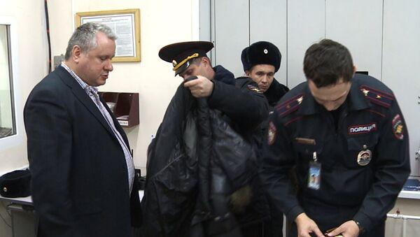 Задержан пассажир, устроивший драку в самолете, фото с места события