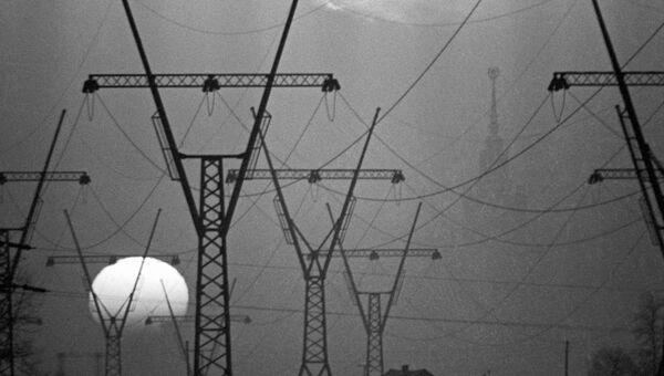 Опоры линии электропередачи, архивное фото