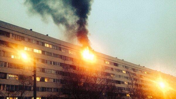 Пожар в жилом доме в Калининском районе Петербурга