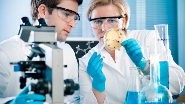 Лабораторные исследования, архивное фото