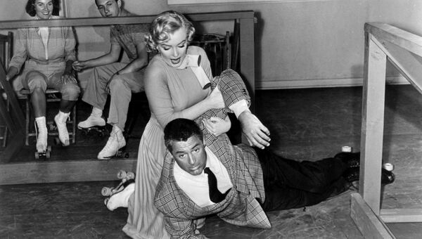 Мерилин Монро и Кэри Грант в фильме Обезьяньи проделки, 1952 год
