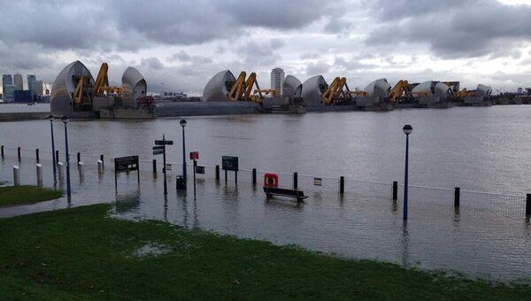 Темза вышла из берегов и затопила несколько поселений в Британии, архивное фото