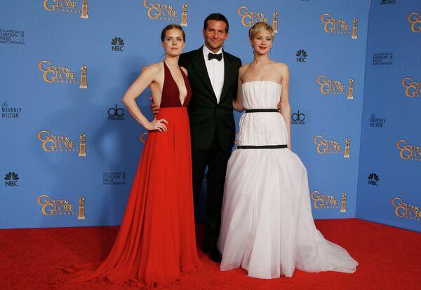 Звезды трагикомедии Афера по-американски: Эми Адамс, Брэдли Купер и Дженнифер Лоуренс на премии Золотой глобус