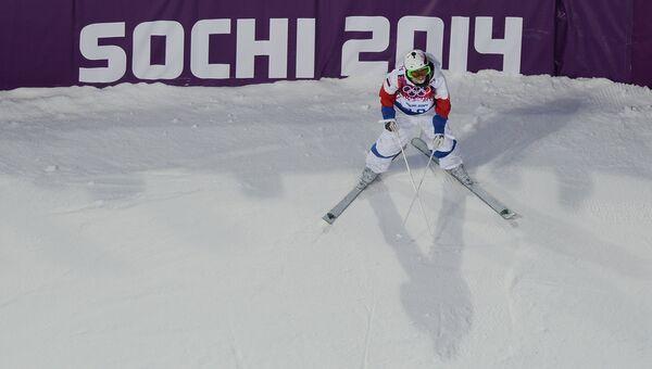 Екатерина Столярова (Россия) в квалификации могула на соревнованиях по фристайлу среди женщин