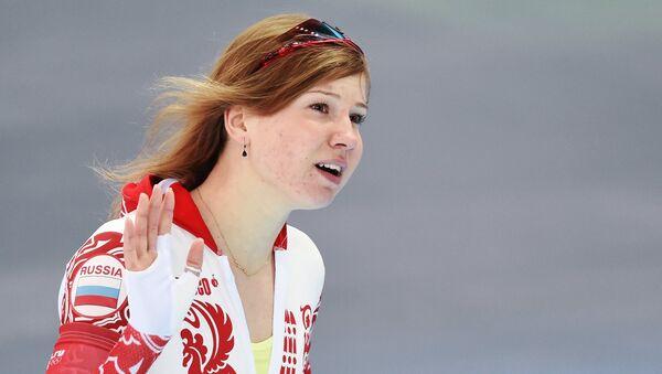 Ольга Фаткулина (Россия) после финиша в первом забеге на 500 метров в соревнованиях по конькобежному спорту. Фото с места событий