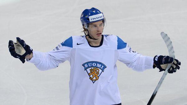 Игрок сборной Финляндии Сакари Салминен. Архивное фото