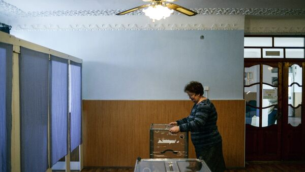 Подготовка к референдуму в Крыму. Архивное фото