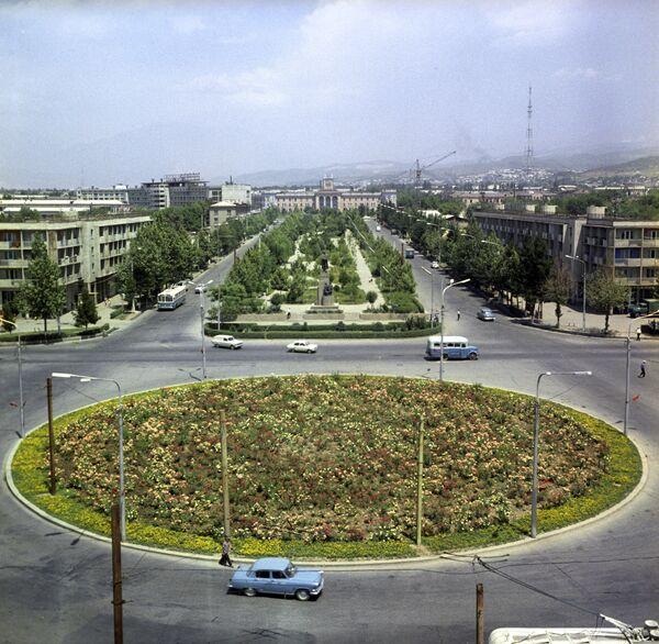Привокзальная площадь в Душанбе
