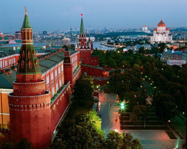 Александровский сад в Москве