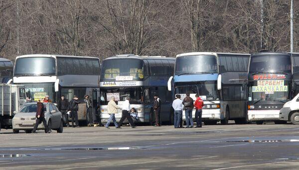 Стоянка междугородных автобусов в районе Лужников