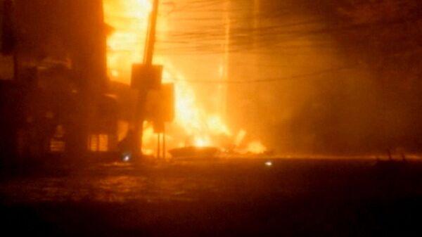 Десятки домов загорелись в подтопленном ураганом Сэнди районе Куинс