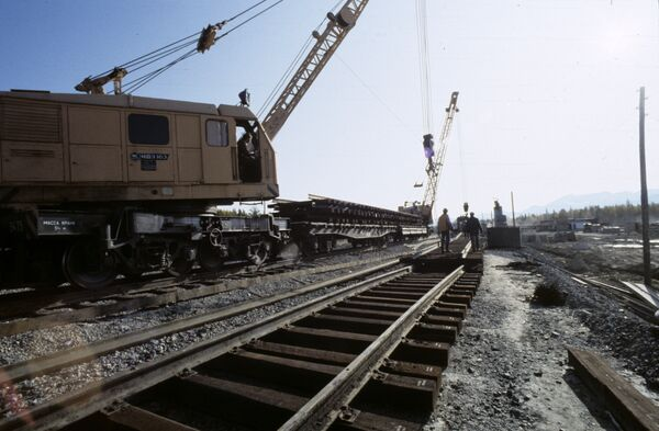 На строительстве железной дороги