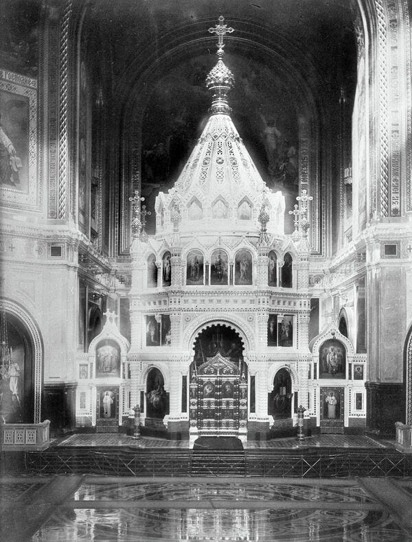Внутреннее убранство храма Христа Спасителя