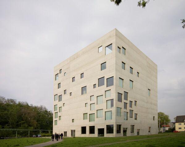 Здание образовательного центра Rolex Швейцарского Федерального института технологий