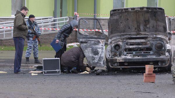 В Петербурге неизвестные расстреляли полицейский УАЗ