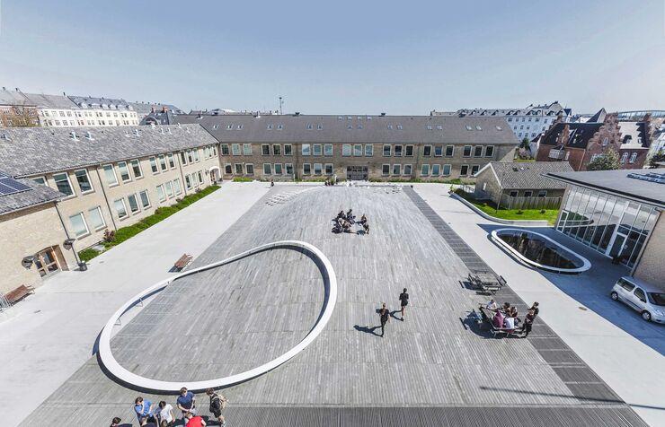 Гимназия Гаммель-Хеллеруп в Хеллерупе, Дания
