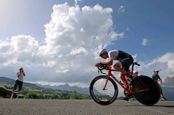 Голландец Бауке Моллема из команды Trek - Segafredo