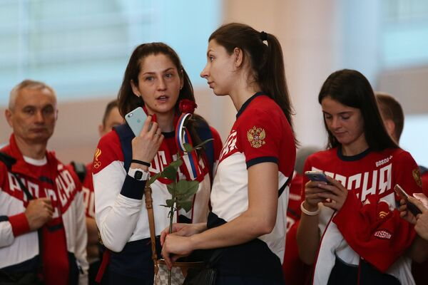 Татьяна Кошелева, Ирина Заряжко и Яна Щербань (слева направо)