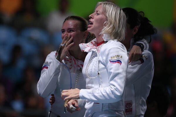 Слева направо: Виолетта Колобова, Татьяна Логунова, Ольга Кочнева (Россия)