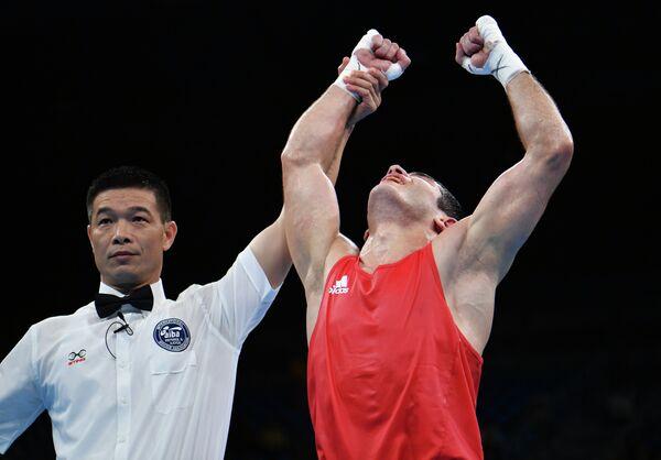 Азербайджанский боксер Камран Шахсуварли после победы над Артемом Чеботаревым