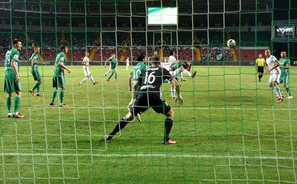 Игровой момент матча 3-го тура РФПЛ Терек - Локомотив