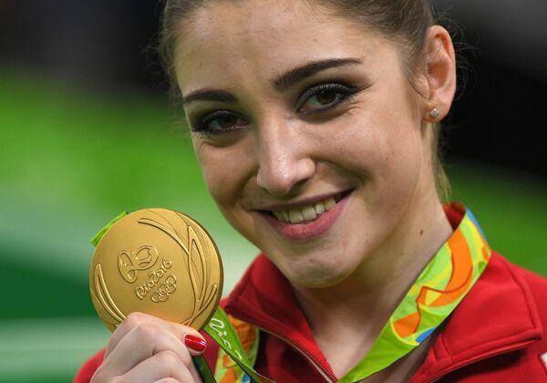 Олимпийская чемпионка Рио-2016 гимнастка Алия Мустафина