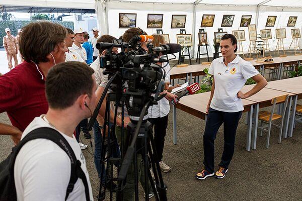 Двукратная олимпийская чемпионка в прыжках с шестом, член комиссии атлетов Международного олимпийского комитета (МОК) Елена Исинбаева