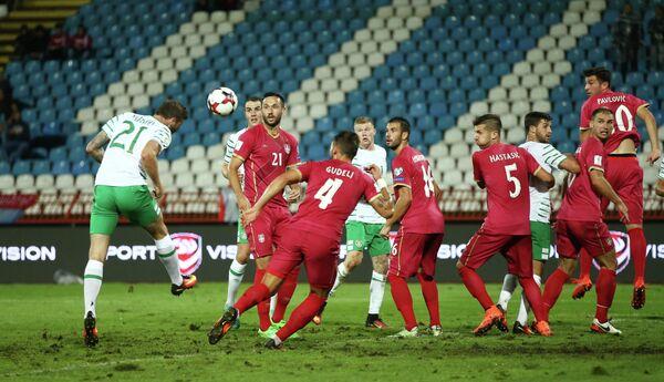 Игровой момент матча европейского отборочного турнира чемпионата мира 2018 года между сборными Сербии и Ирландии