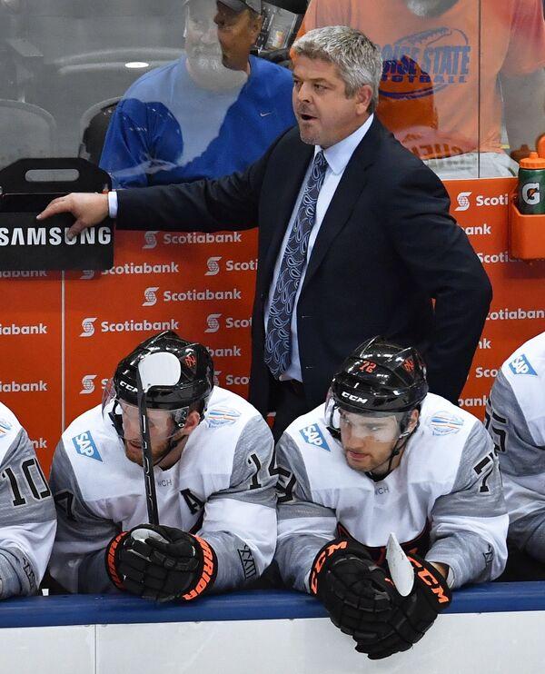 Главный тренер сборной Северной Америки U23 Тодд Маклеллан