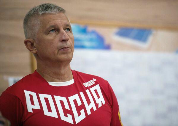 Главный тренер сборной России по прыжкам на батуте Николай Макаров
