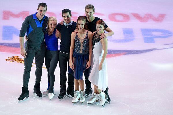 Алена Савченко и Брюно Массо, Хавьер Фернандес, Анна Погорилая, Екатерина Боброва и Дмитрий Соловьев (слева направо)