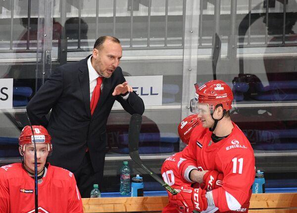Исполняющий обязанности главного тренера Спартака Алексей Ярушкин