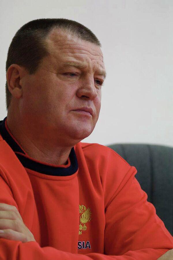 Главный тренер женской национальной команды по боксу Виктор Лисицын