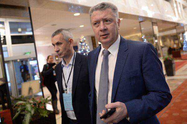 Дмитрий Шляхтин (справа)